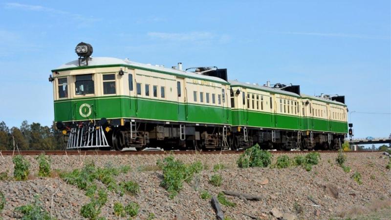 Heritage Rail Motor from Gulgong to Dunedoo