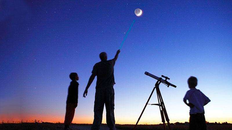 Short Child-Focus Planet Gazing Show