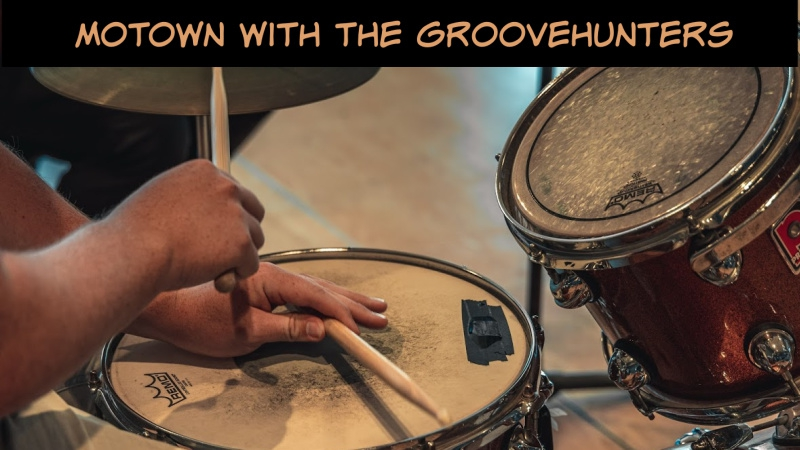 Motown With The Groovehunters